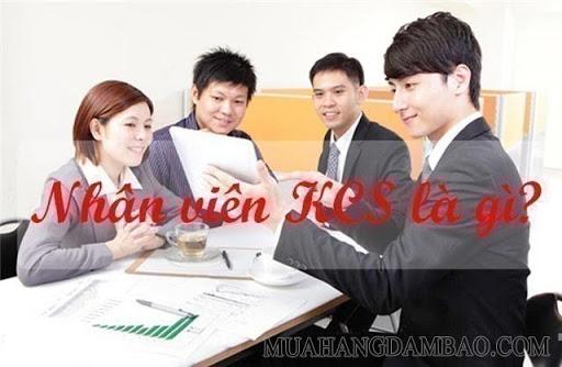 Nhân viên KCS là những người kiểm tra, giám sát nhằm đảm bảo chất lượng của sản phẩm trước khi đưa ra thị trường
