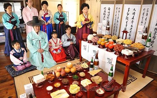 Tết Trung thu tiếng Hàn được gọi là Chuseok. Đây là một ngày lễ quan trọng của người Hàn quốc.