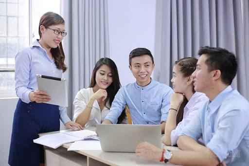 Sinh viên muốn trở thành CEO học ngành Quản trị kinh doanh