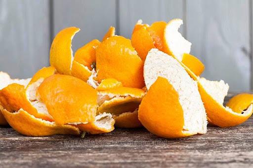 Vitamin C trong vỏ cam giúp trị hóc xương cá